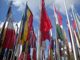 Flaggen vor dem Europäischen Patentamt